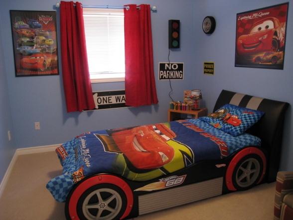 Best 25+ Racing Bedroom Ideas On Pinterest
