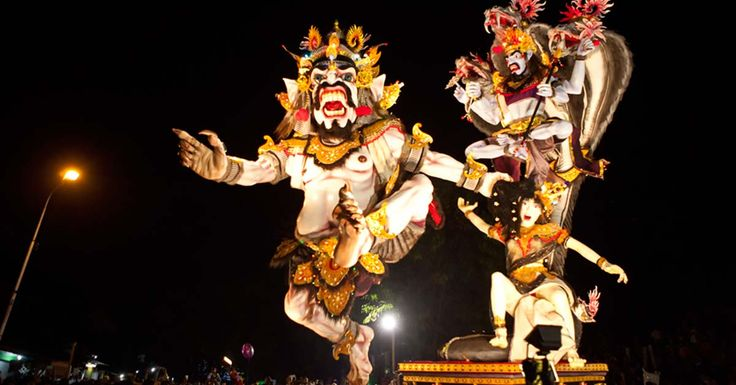 Today Bali celebrate Eve of Nyepi Day and perform OgohOgoh Parade. Ogoh-ogoh are statues built for the Ngrupuk parade. The main purpose of the making of Ogoh-ogoh is the purification of the natural environment of any spiritual pollutants emitted from the activities of living beings (especially humans) Ogoh-ogoh normally have form of mythological beings, mostly demons creepy Enjoy the atmosphere of Silent Day #Bali #Seminyak #holiday #honeymoon #tonysvilla #balimagic #nyepi www.balitonys.com