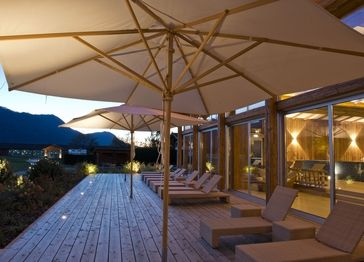 Spa wellness im golf resort achental relaxen auf dem for Chiemsee design hotel