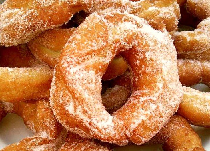Te contamos cómo preparar unos roscos fritos típicos de Semana Santa paso a paso. Con nuestra receta al estilo de la abuela te resultará muy sencillo.