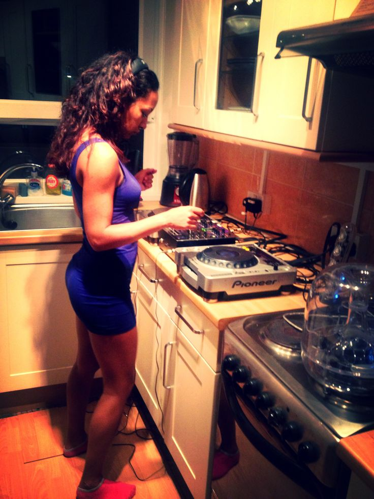 Hoyte getting her grove on in the kitchen....