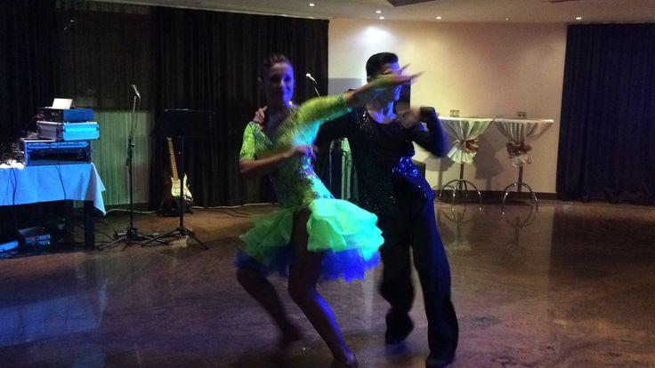 Dansatori pentru evenimente www.stop-and-dance.ro