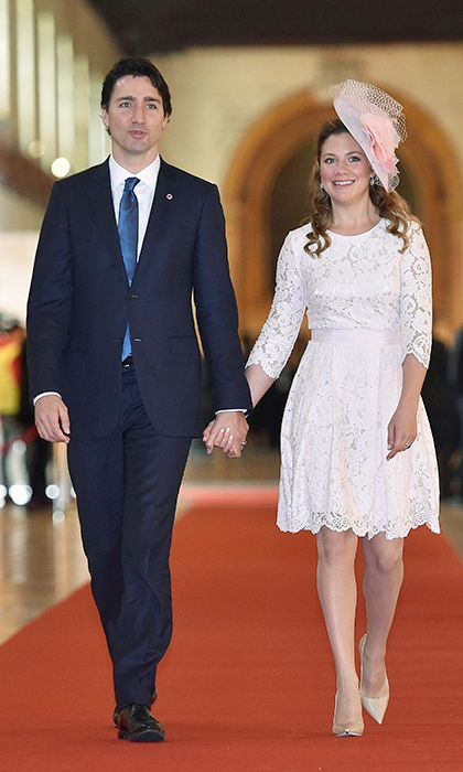 The Commonwealth Heads of Government Meeting (CHOGM) in Malta called for a prim and pretty ensemble. Walking hand-in-hand with Justin, Sophie had a Duchess of Cambridge moment in a gauzy pink fascinator, a pale-pink lace dress and nude pumps.<br><p>Photo: © Getty Images</p>