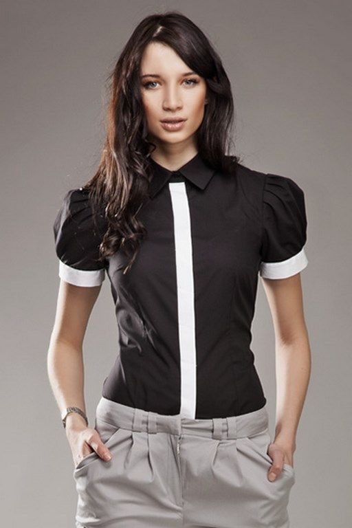 Czarna koszula damska z kontrastującym paskiem