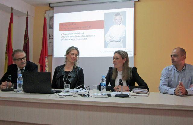 La chef Eva Hausmann destaca la importancia de la formación en el sector turístico, Foto 1 http://www.murcia.com/noticias/2014/10/15-la-chef-eva-hausmann-destaca-la-importancia-de-la-formacion-en-el-sector-turistico.asp