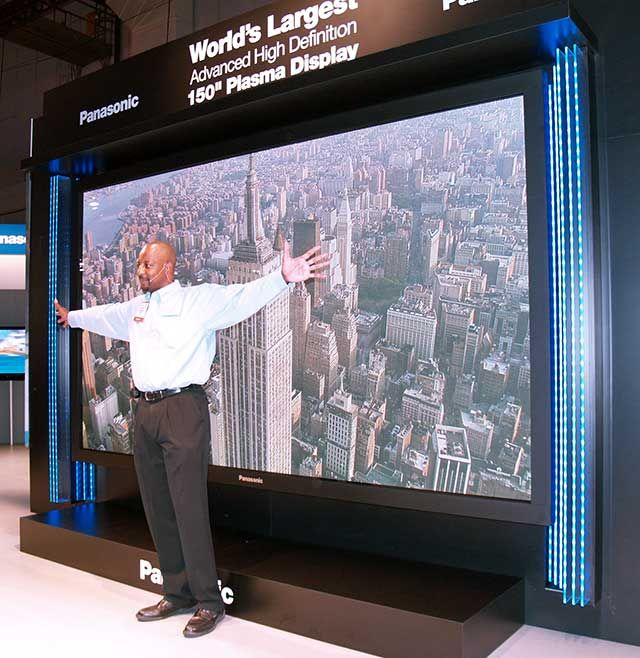 10 Best World S Largest Tv Images On Pinterest Flat