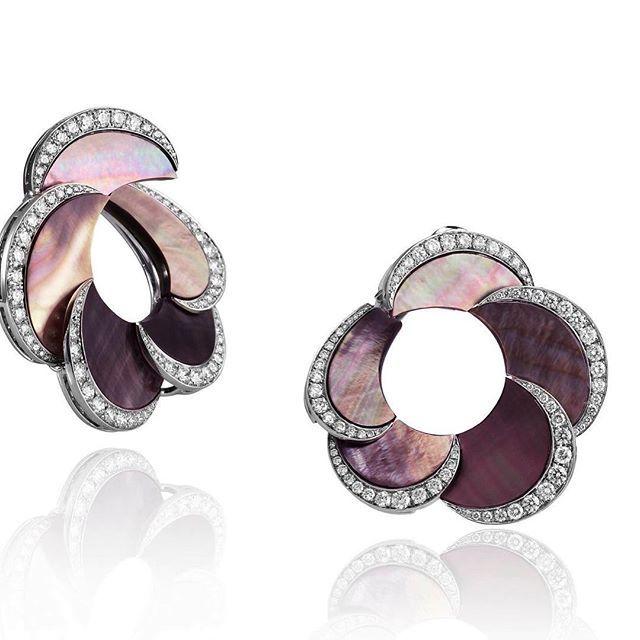 Feminin Adler earrings reflect an enchanted world of precious stones mingled…