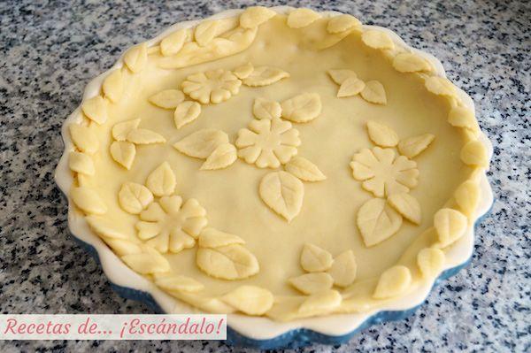 Tarta de manzana americana con decoracion