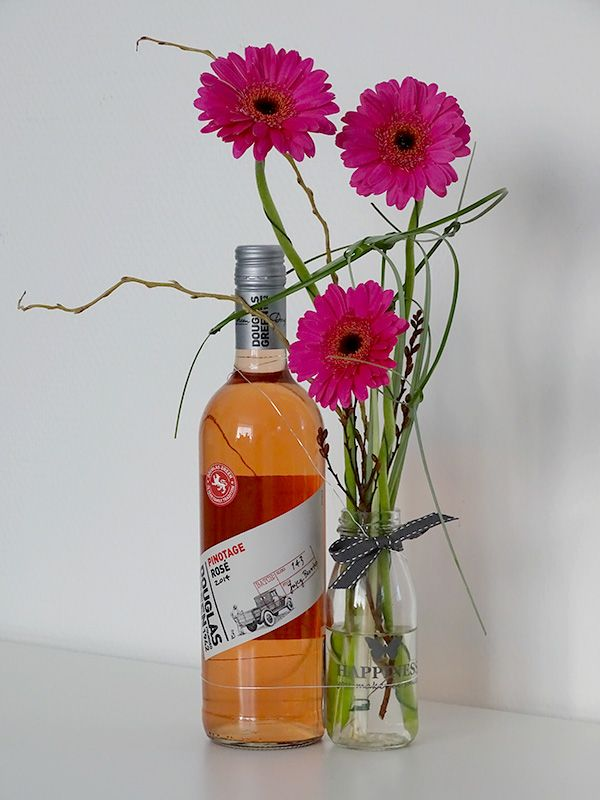Vrolijke voorjaars Rosé flesdecoratie