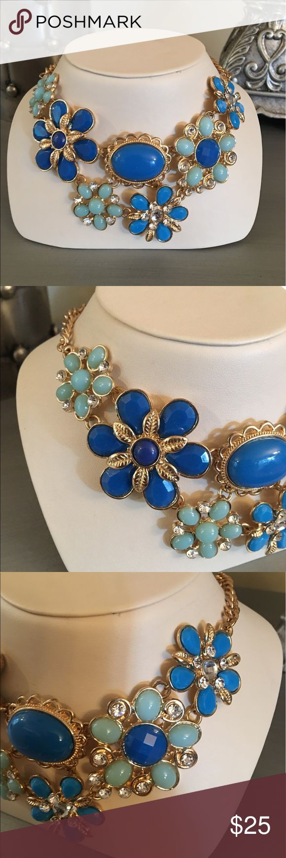 🛍 Blue Diamond Jeweled Flower Statement Necklace Gold tone.  Some tarnish on clasp. Boutique Jewelry Necklaces