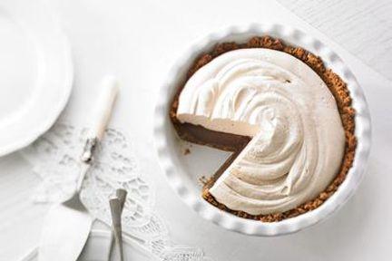 Tarte au chocolat et crème fouettée au café | .recettes.qc.ca