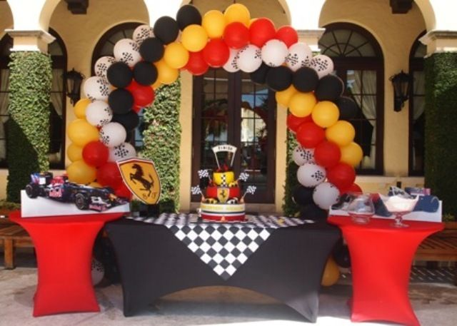 Race car theme birthday party ideas birthdays boys and for Balloon decoration cars theme