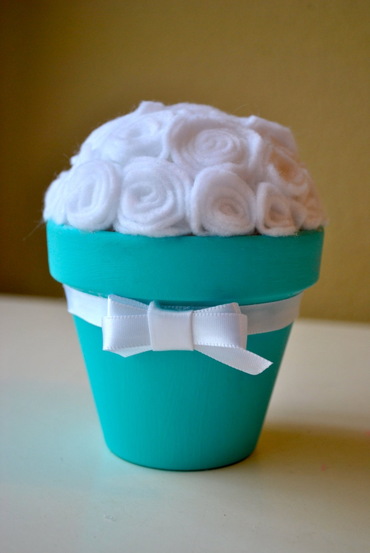 Tiffany blue and white roses