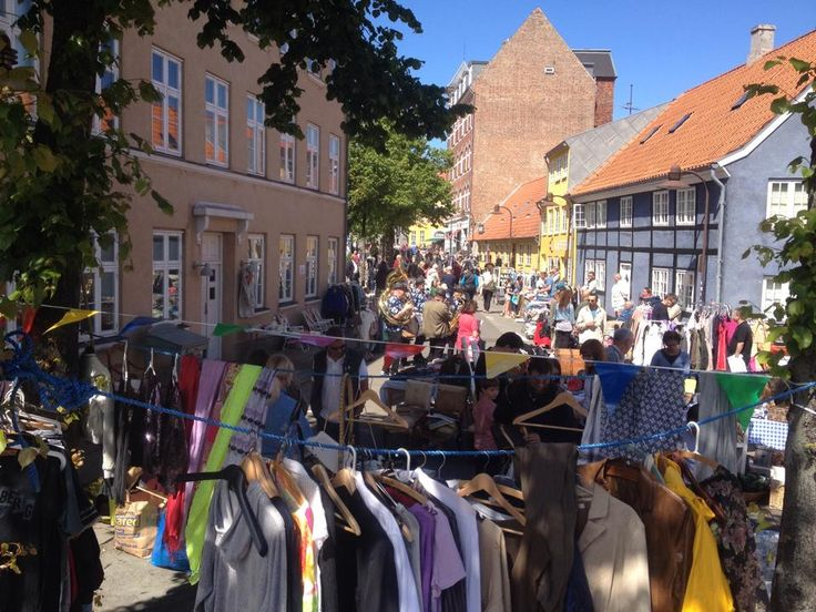 the big fleamarket in Helsingør - centered around Spies Plads. Every saturday morning