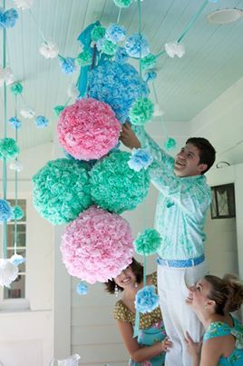 Party pom poms