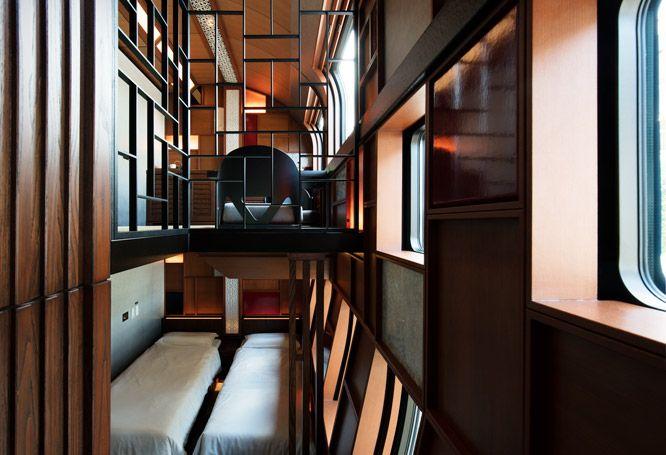 目的地へ向かうだけではなく、旅する時間そのものを味わい、堪能する。豪華寝台列車や客船でのクルーズ旅が注目を浴びた2017年。中でも5月に運行をスタートし話題を呼んでいる、クルーズトレイン〈トランスイート 四季島〉をご案内します。