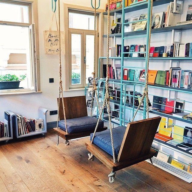.. LOVE this as a sitting nook at a bookstore. FiLBooks in Istanbul Comodidade, rapidez e facilidade em comparar preços são as principais vantagens de comprar livros online nestas Livrarias em  http://mundodelivros.com/livrarias-online/ - Comodidade, rapidez e facilidade em comparar preços são as principais vantagens de comprar livros online nestas Livrarias em  http://mundodelivros.com/livrarias-online/