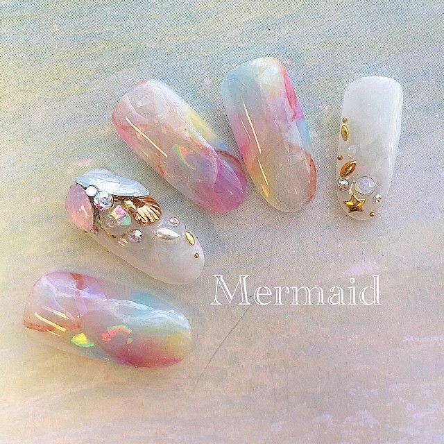Mermaid nail #nail#nailart#instanail#love#art#gelnail#gelart#ネイル#ネイルアート#ジェルネイル#春ネイル#ネイルサンプル#ペイントネイル#インスタネイル#スワロフスキー#swarovski#美甲#天然石ネイル##人魚#タイダイ柄#大理石ネイル