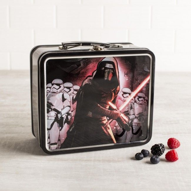 Reduce waste and save money by packing your lunch in a reusable lunch kit! The Metal Star Wars Lunch kit has a hinged lid with a metal latch and a comfortable padded carrying handle. The tin molded kit is spectacularly detailed with a screen printed Star Wars VII graphic.