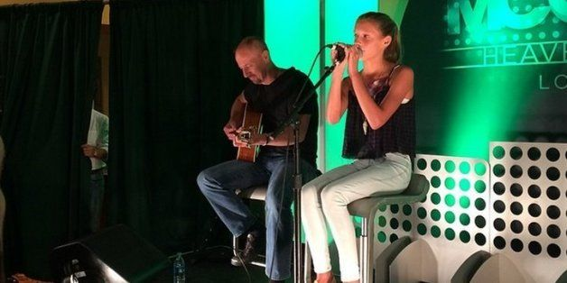 #AudreyMcGraw - Daughter Of Tim McGraw And Faith Hill - Can Seriously Sing At Age 12