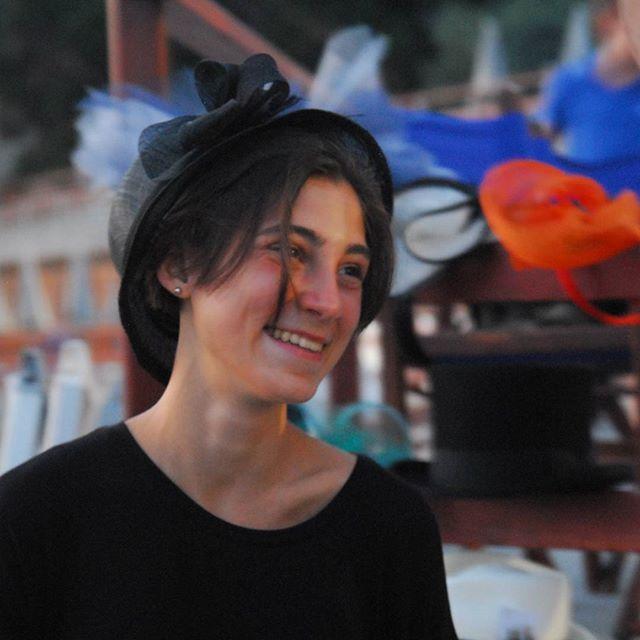 Voglia di sorridere fra queste creazioni che hanno rischiesto lavoro e ingegno! #livorno #hatsummer #Toscana #tuscany #moda #ragazza #amicizia #estate #vacanze #bellezza #instaitaly_photo #instaitalia #instaitaly_photo #instaitalian #fascinator #instagood #instadail #madeinitaly #artigianato #artigianale