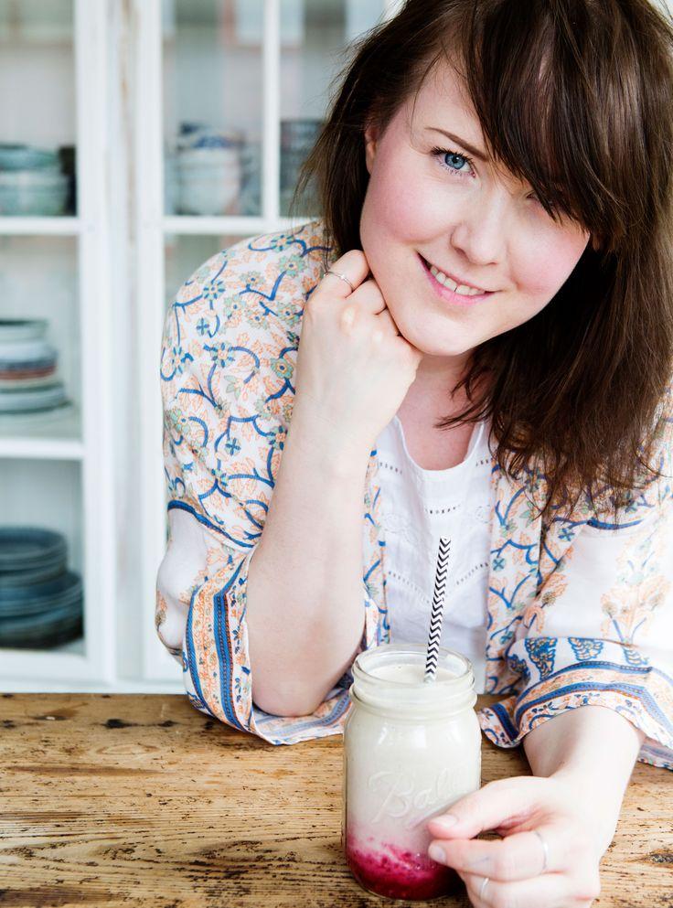 Start dagen med sunne og raske frokoster! Maria Strömberg Bååth, som driver bloggen Made by Mary, slipper boken Made by Marys grønne frokost, full med oppskrifter for alle morgentrøtte.