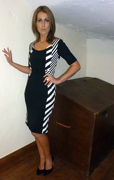 #‎myqueensparksummer‬ Structured Monochrome Dress    Available at www.standun.com