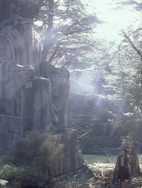 Frodo and Sam in Ithilien