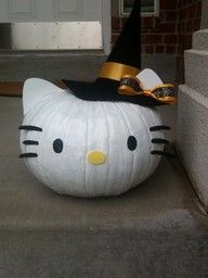Gives me ANOTHER idea for this years pumpkin! LOVE HelloKitty!! ♥