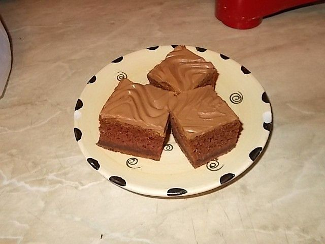 Chocolate cake with sour cream and without eggs