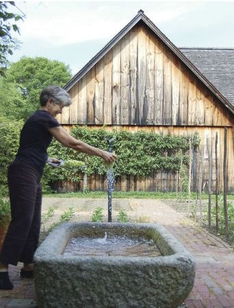 Via Henhurst.blogspot.com - Granite Trough as sink, from the book: A Way of LivingGardens Ideas, Architecture Landscapes, Gardens Style, Gorgeous Gardens, Farms Finding, Exterior House, Gardens Structures, Gardens Ornaments, Extended Living