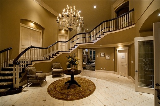 Grand hallway at Sweet Dreams Luxury Inn - Abbotsford, British Columbia
