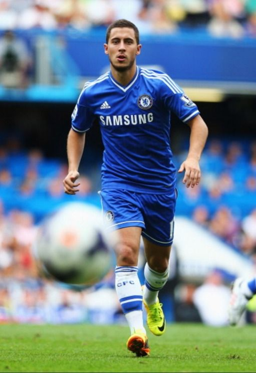 Eden Hazard: Football Club, Futbol Futebol, Chelsea Football, Football Futbol, Boys, Fußball Soccer, Futebol Soccer, Royal Blue, Calcio Fußball