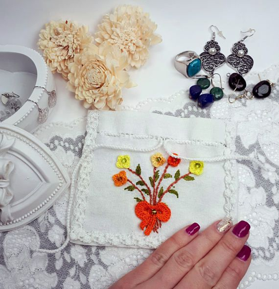 Handmade textile pouch embroidered jewelry pouch white by Rocreanique on Etsy