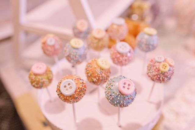 Cute button cake pops at a Lalaloopsy Party #lalaloopsy #cakepops