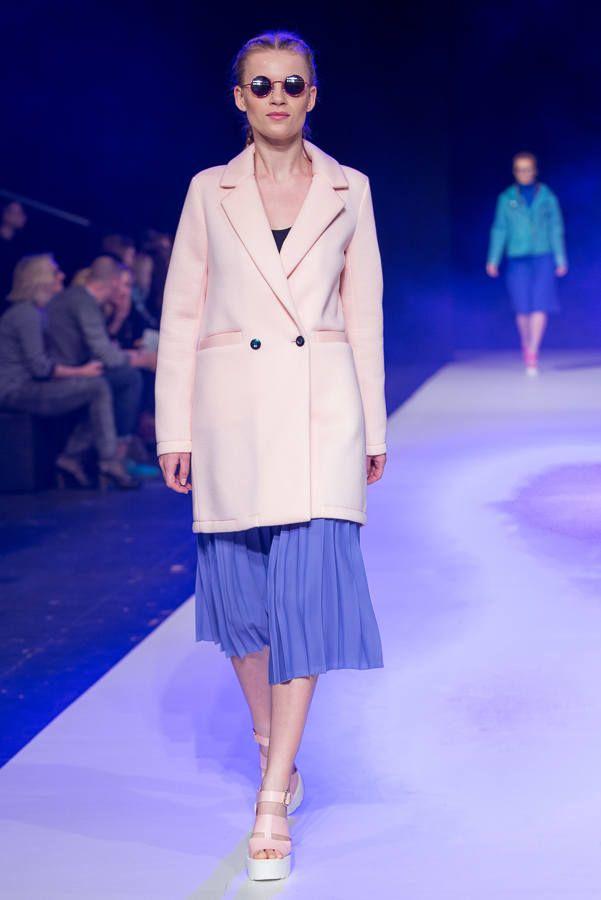 Buty: http://born2be.pl/rozowe-sandaly-pink-sandals-neele  Fashion Week 2015. Designer Avenue: Klaudia Markiewicz [ZDJĘCIA] - Dzienniklodzki.pl
