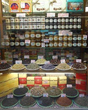 Where to Shop in Venice: Venice Masks, Glass, and Food Shops