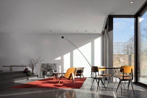 W zachodniej części Londynu, słynącej z wiktoriańskiej architektury, powstała rezydencja, która łączy w sobie tradycje architektoniczne z nowoczesnym designem w geometrycznym, minimalistycznym wydaniu. http://sztuka-wnetrza.pl/1499/artykul/aranzacja-mieszkania-w-stylu-minimalistycznym