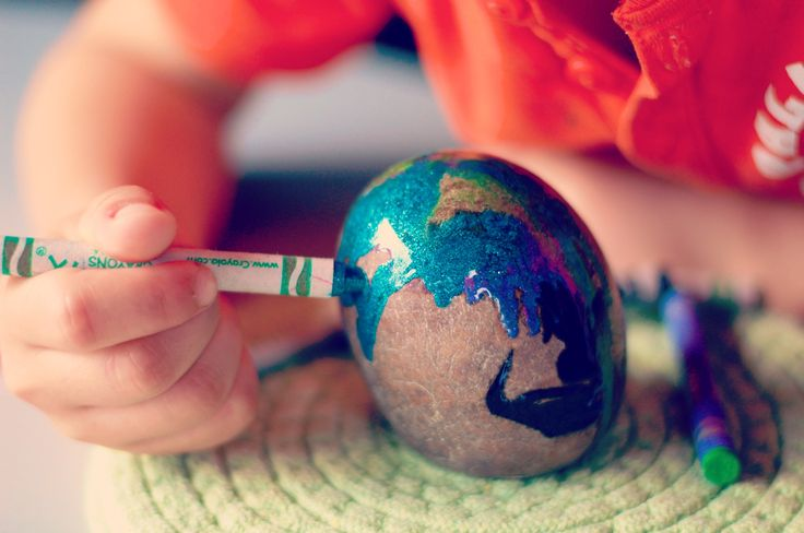 how to: paint rocks with crayons | {NATURAL} MOMMIE