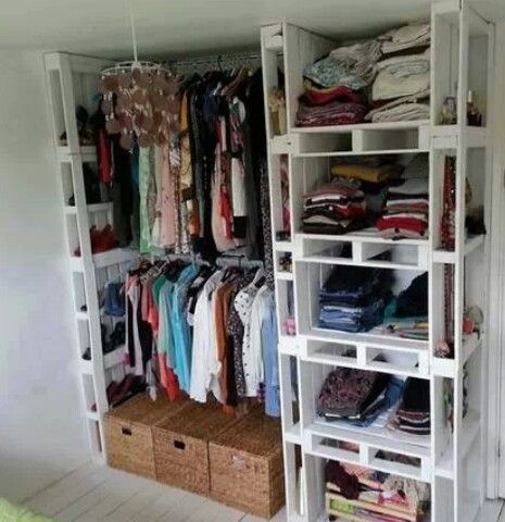 DIY closet palets