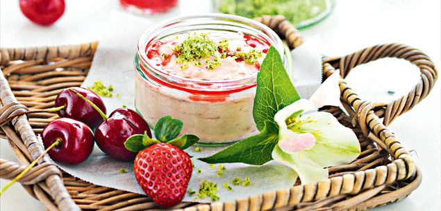 Strawberry and white chocolate mousse & mint sugar