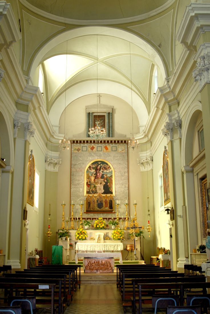 Chiesa di S. Ciriaco, interni della Chiesa parrocchiale #marcafermana #altidona #fermo #marche
