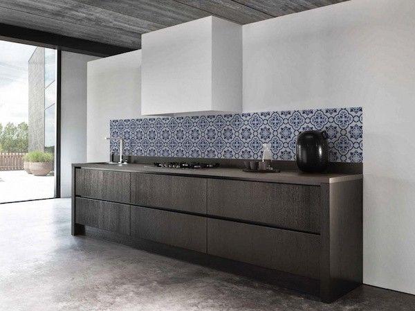 oude hollandse tegel, behang, kleur in je keuken www.living-lounge.be/webshop/keukenbehang-dutcht.html