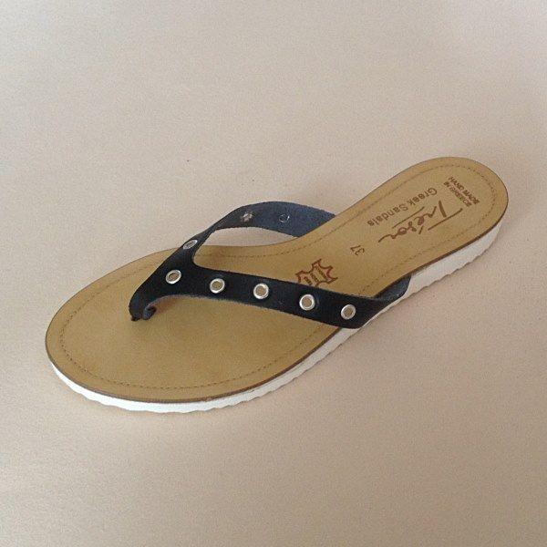 Greek Sandals (Δερμάτινα :: Πέδιλα, Σαγιονάρες, Παντόφλες) @ www.GreekShoes.Net > Κωδικός: 260.512 > Μεγέθη: Νο.35-Νο.41 (τιμή 30€) & Νο.42-Νο.45 (τιμή 40€) > Σόλα: Σφήνα ή Φλάτ | Λευκή ή Μπέζ > Χρώματα: Μαύρο, Άσπρο