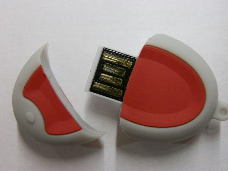 MEMORIA USB FORMA MANDO