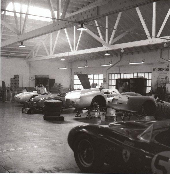 Ferrari Dealership: 245 Best Car WorkShop Images On Pinterest