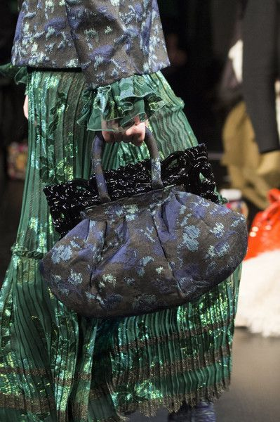Anna Sui, Fall 2017 - These New York Handbags are Hot - Photos