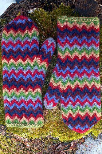 Ravelry: Chevron Love Mittens pattern by Julia Vesper