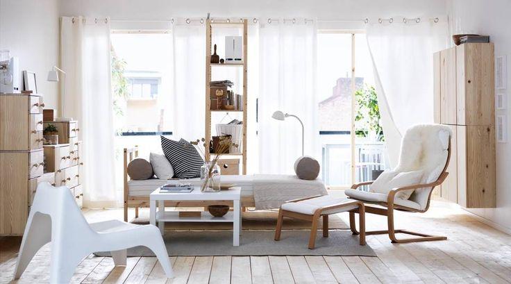 LUFTIG UTTRYKK: Innreder du med et fåtall, lyse farger og materialer, så virker rommet større.