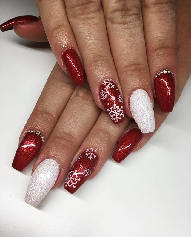 Mismatched Red And White Winter Nail Designs Winternails